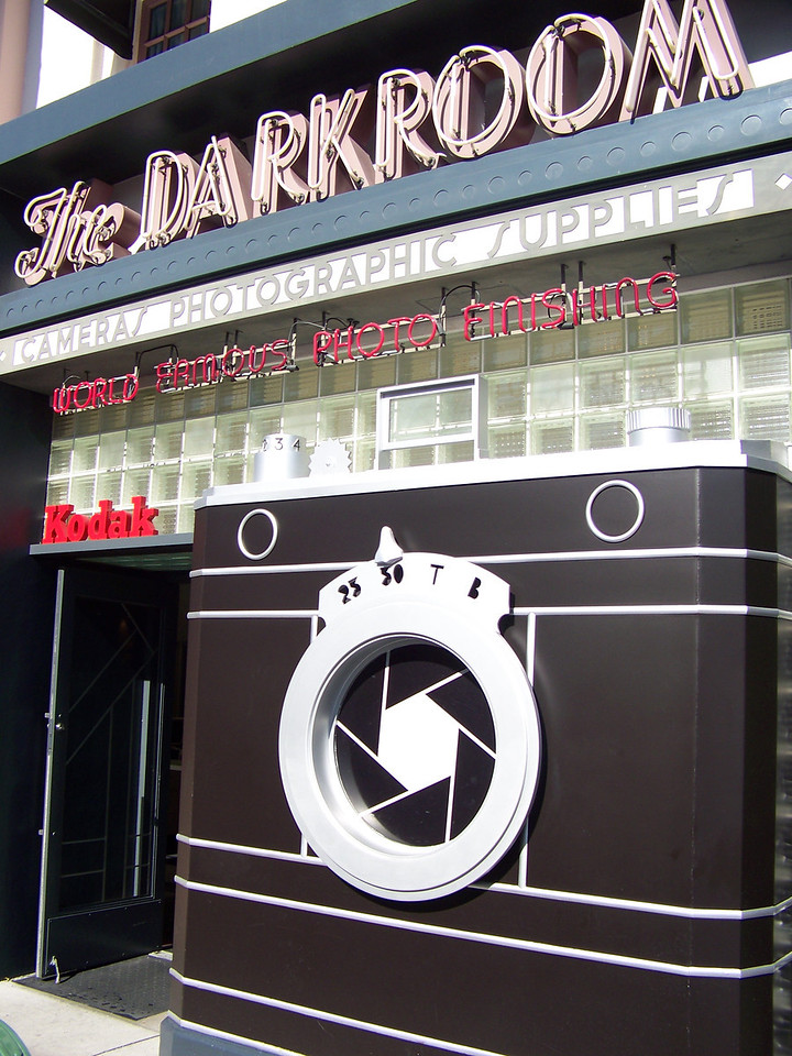 The real Darkroom in Los Angeles was a bar.  At the park, the Darkroom is a camera shop, naturally!<br /> [Disney's Hollywood Studios]