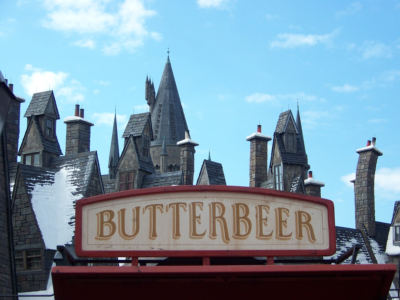 I'm parched.  It's time for a butterbeer!<br /> [Universal Islands of Adventure - Wizarding World of Harry Potter]