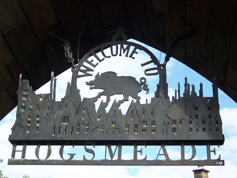 We've arrived at Hogsmeade, the village near Hogwarts School of Witchcraft and Wizardry.<br /> [Universal Islands of Adventure - Wizarding World of Harry Potter]