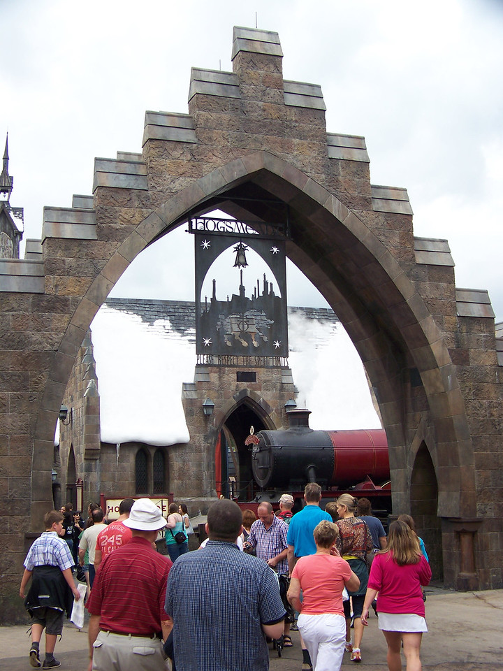 Success!  We made it to the entrance of the Wizarding World of Harry Potter (as this island is officially known).<br /> [Universal Islands of Adventure]