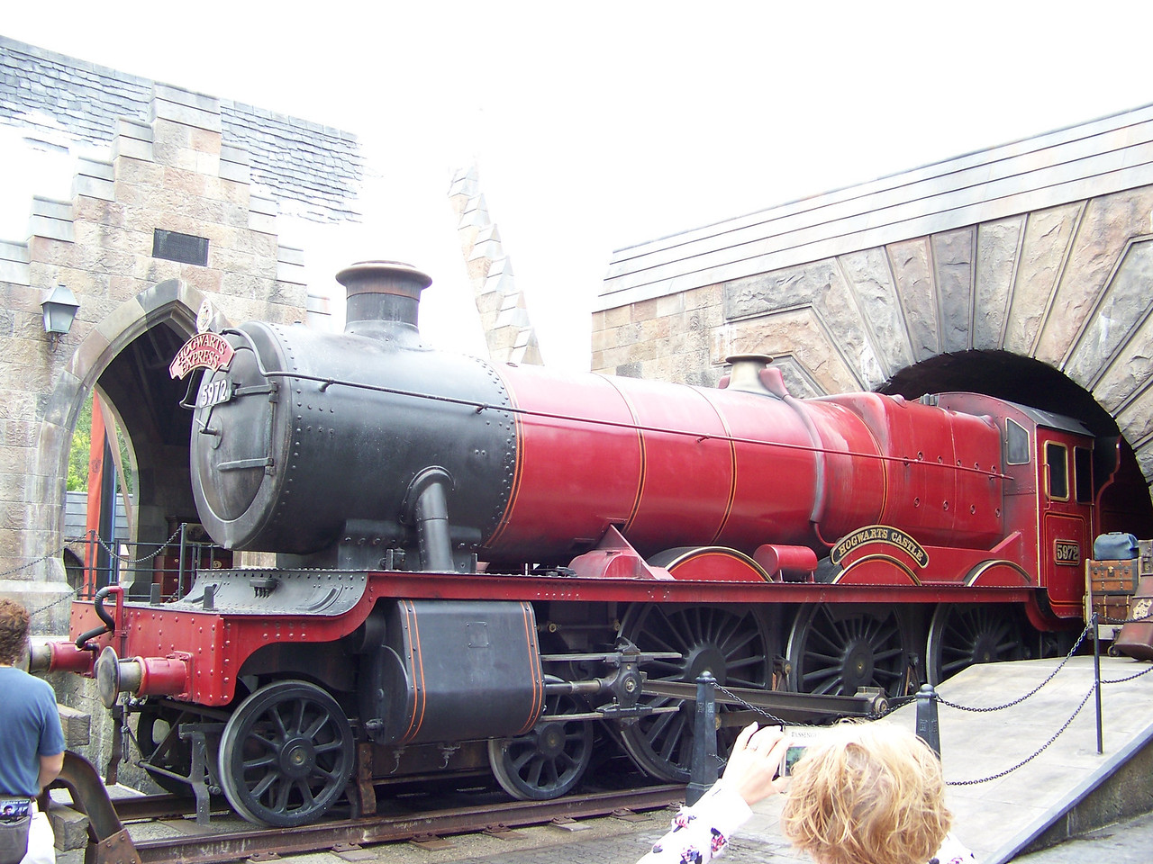The Hogwarts Express has just pulled into the Hogsmeade station.<br /> [Universal Islands of Adventure - Wizarding World of Harry Potter]