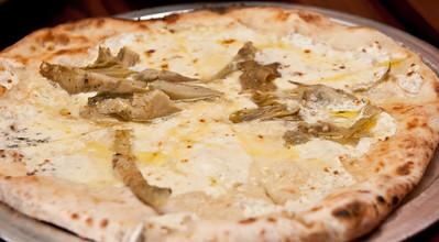 Carciofi Pizza, artichoke,pecorino, mozzarella, truffle oil