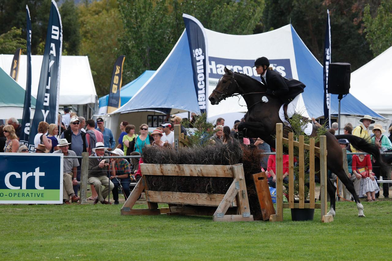 WAP Sat_RTR leaping Champ_8938