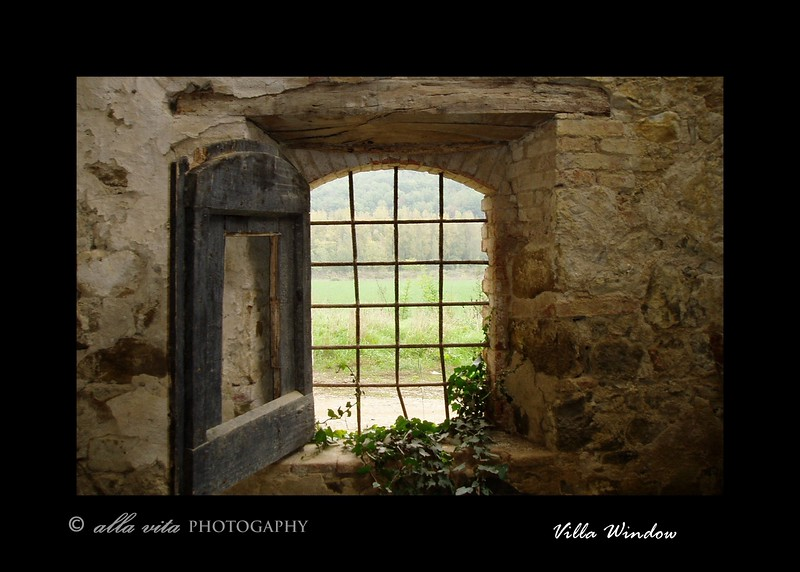 Villa Window notecard