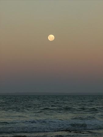 The Silent Moon Has Risen