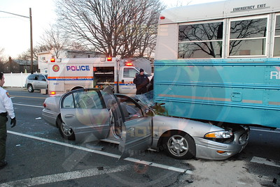 Wantagh F.D. MVA w/ Entrapment Gardiners Ave. and Old Jerusalem Rd. 12/16/09