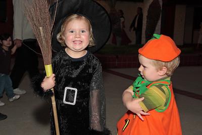 2008-10-25_Ward Halloween_23