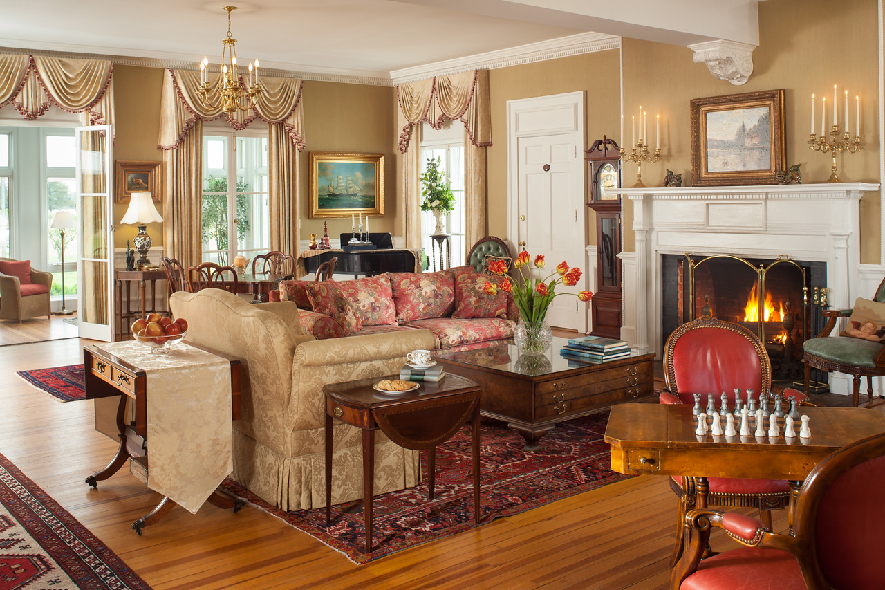 WarnerHall CommonRooms 12 X2 History, Luxury and Hospitality: They Have it ALL at Warner Hall!