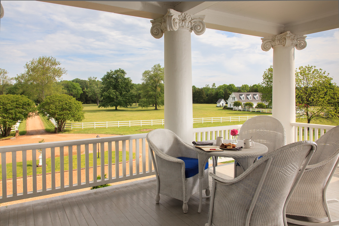 WarnerHall Exterior Porch 05 X2 History, Luxury and Hospitality: They Have it ALL at Warner Hall!