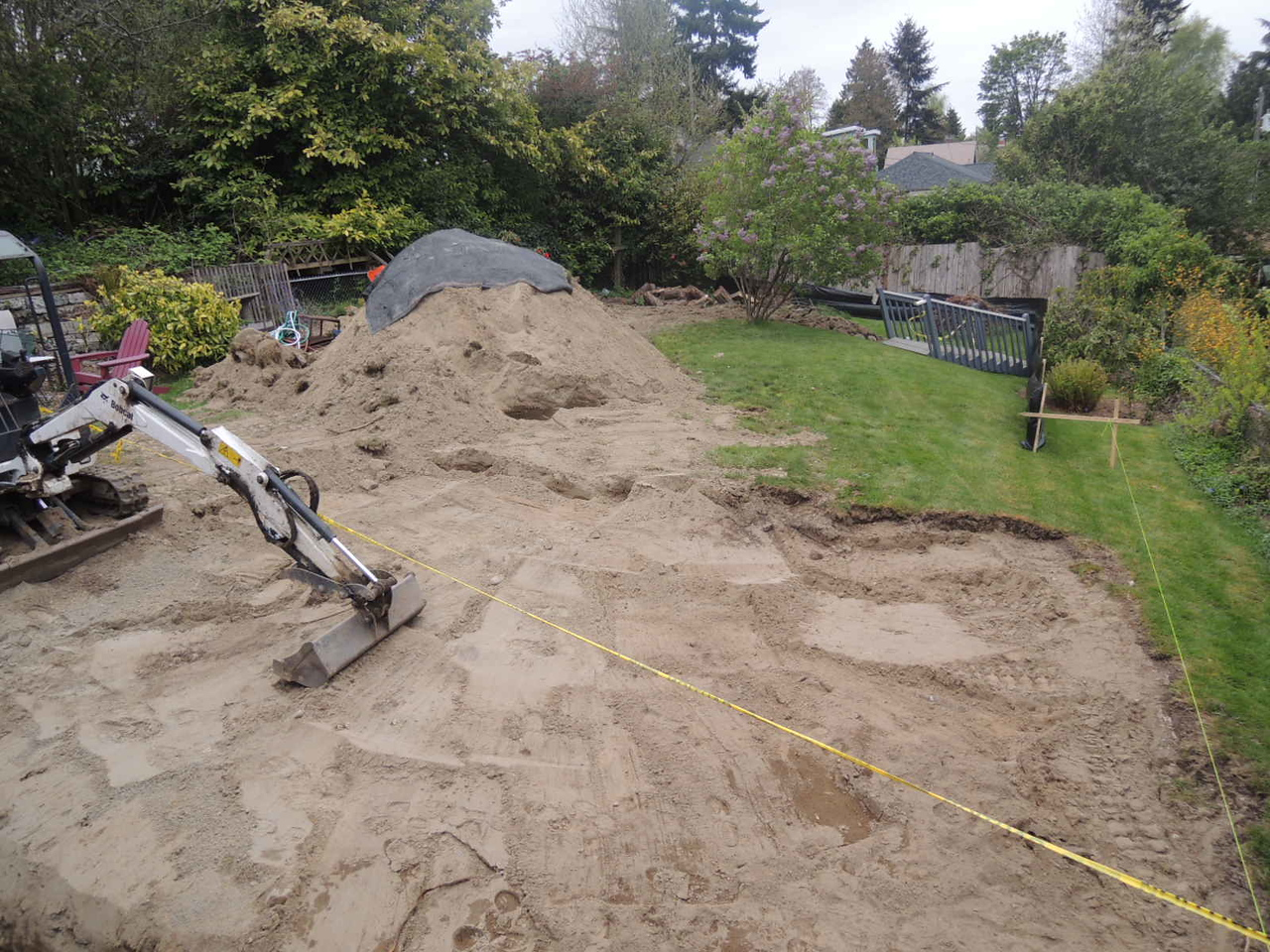The pile of dirt has started.  It gets bigger.