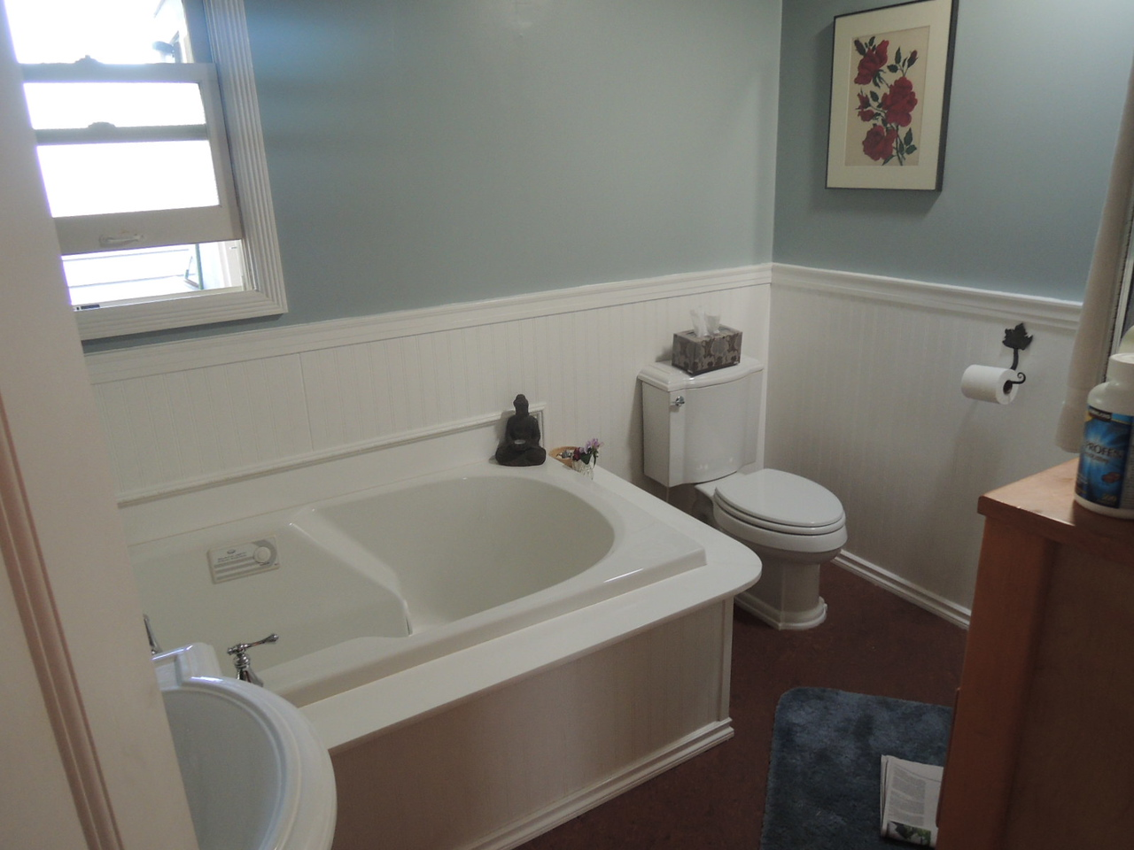 The master bath was already nicely re-done.