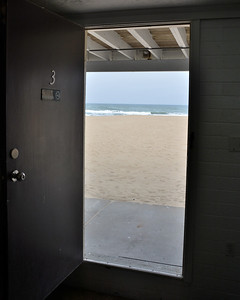 Room On The Beach (literaly)