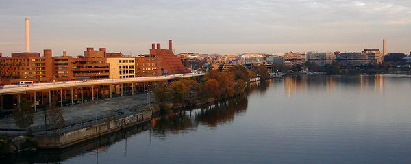 The Georgetown Harbor - Washington, DC ... November 6, 2006 ... Photo by Rob Page III