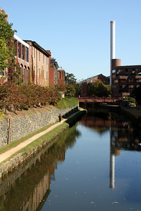 Looking down the C&O canal - Washington, DC ... October 12, 2008 ... Photo by Rob Page III