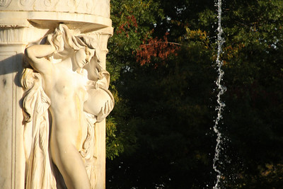 The fountain in the middle of Dupont Circle - Washington, DC ... October 10, 2008 ... Photo by Rob Page III