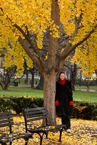 Emily hanging out in Lafayette Park - Washington, DC ... December 5, 2009 ... Photo by Rob Page III