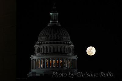 Supermoon behind U.S. Capitol, March 2011