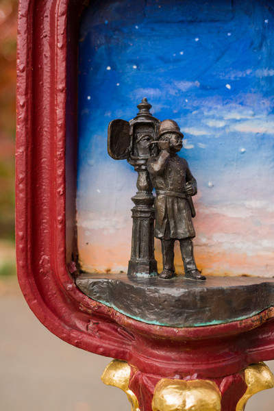 Call box art sculpture - Police man