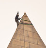 Daredevil Engineer Inspects Washington Monument : Sept 27, 2011