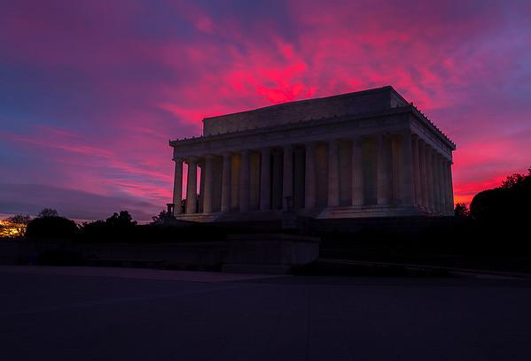 Silhouette Lincoln Memorial