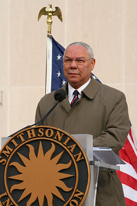 Colin Powell reads The Gettysburg Address