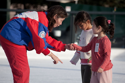 PSA master rated Alice Jean Shelley, coach and teaching professional offers both private and group lessons at the rink