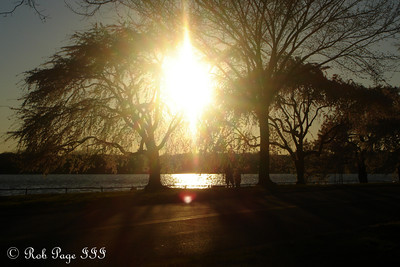 The sun sets along the Potomac - Washington, DC ... April 2, 2007 ... Photo by Rob Page III