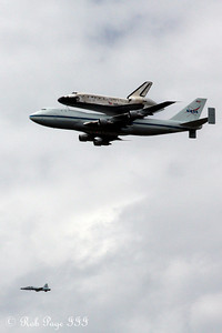 There goes Discovery - Washington, DC ... April 17, 2012 ... Photo by Rob Page III