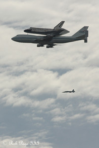 Discovery glides overhead - Washington, DC ... April 17, 2012 ... Photo by Rob Page III
