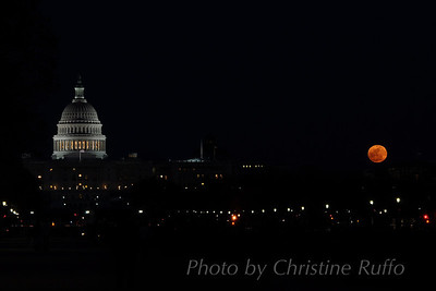 Supermoon rises over National Mall