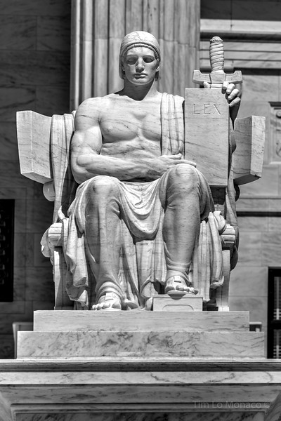 Authority of Law Statue at the Supreme Court [V1]