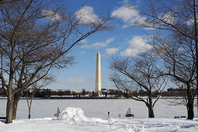 Washington Monument and Tidal Basin in snow