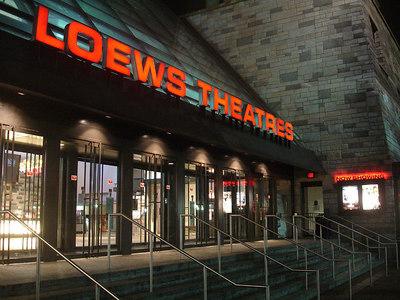 Loews Theatres - Washington, DC ... January 11, 2006 ... Photo by Rob Page III