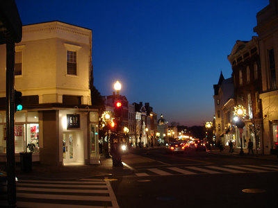 Wisconsin Ave - Georgetown, DC ... December 20, 2005 ... Photo by Rob Page III