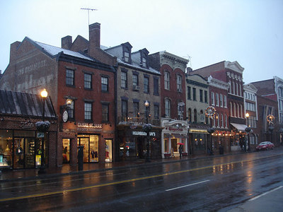 M St. - Georgetown, DC ... December 5, 2005 ... Photo by Rob Page III