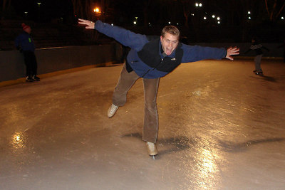 Rob, ice skating in Pershing Park - Washington, DC ... December 31, 2006 ... Photo by Heather Page