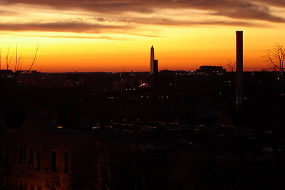 Sunrise out the window before work - Washington DC ... January 7, 2007 ... Photo by Rob Page III