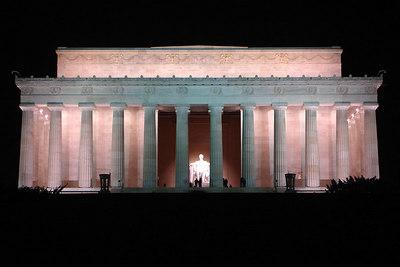 The Lincoln Memorial - Washington, DC ... January 8, 2007 ... Photo by Rob Page III