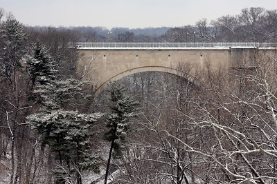 Calvert Road over Rock Creek - Washington, DC ... January 27, 2009 ... Photo by Rob Page III