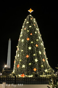 The National Christmas Tree and Washington Monument - Washington, DC ... December 21, 2009 ... Photo by Rob Page III