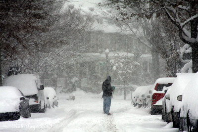 Snow falls in Mt. Pleasant - Washington, DC ... December 19, 2009 ... Photo by Rob Page III