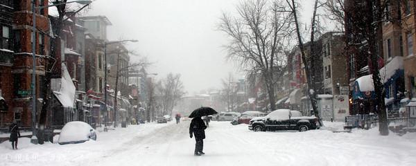 Adams Morgan in the snow - Washington, DC ... December 19, 2009 ... Photo by Rob Page III