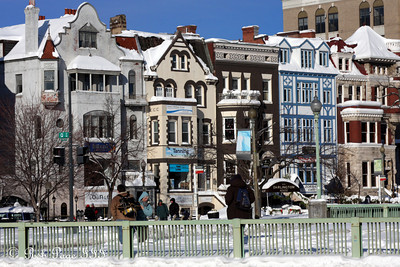 Dupont Circle - Washington, DC ... December 20, 2009 ... Photo by Rob Page III