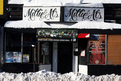 Millie & Al's - Washington, DC ... December 20, 2009 ... Photo by Rob Page III