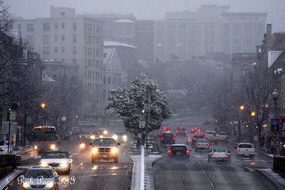 Get home before the snow comes - Washington, DC ... February 5, 2010 ... Photo by Rob page III