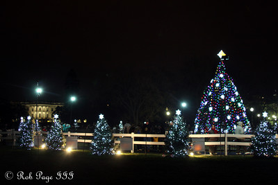 The White House and the National Christmas Tree - Washington, DC ... January 1, 2012 ... Photo by Rob Page III