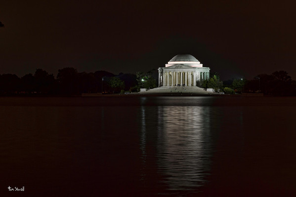 Shot of the Thomas Jefferson Memorial