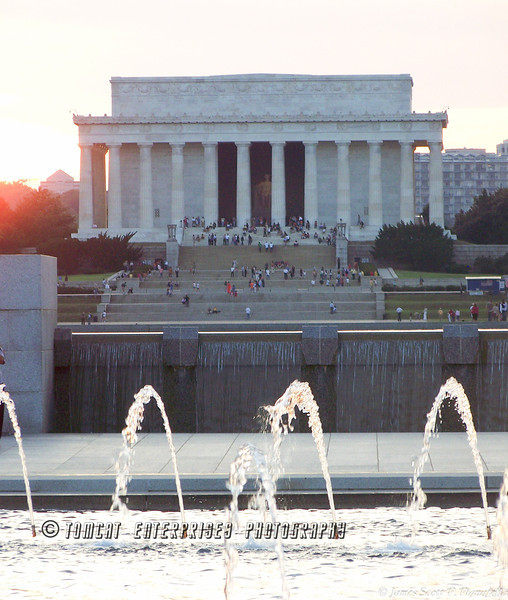 Lincoln Monument from WWII Memorial