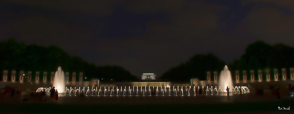 WW II Memorial and Lincoln Monument in the background