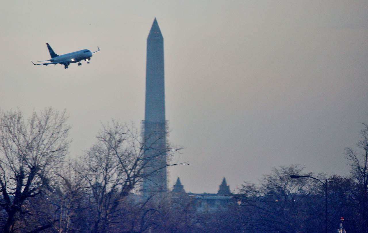 Airplane Arriving at Reagan National Airport